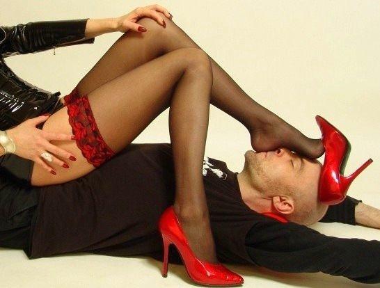 lizat-kabluki-foto-seks-s-anzhelikoy-novoe